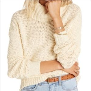 Billabong 100% cotton crop sweater.